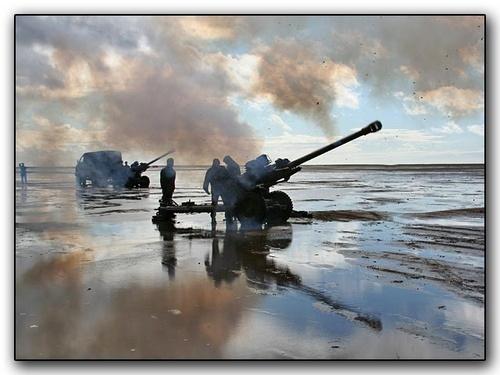 Guns on the beach by lsauld