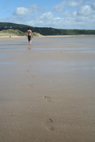 Footprints by fredforsyth