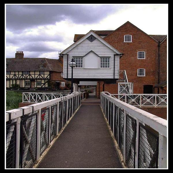 Canal Bridge by hattrick