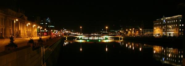 Dublin at night by carriebugg