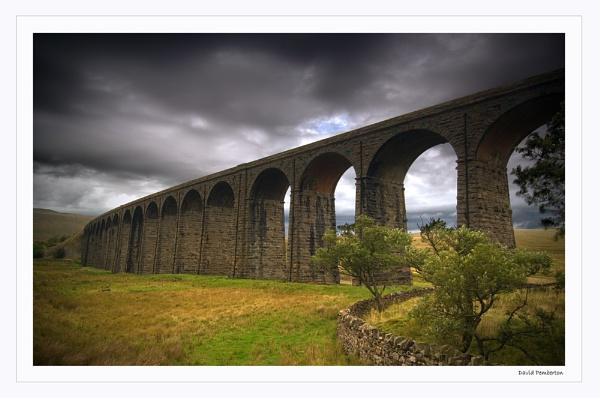 Viaduct by dpemberton
