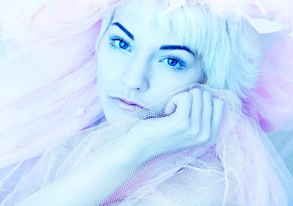 Ice queen... by annaliese