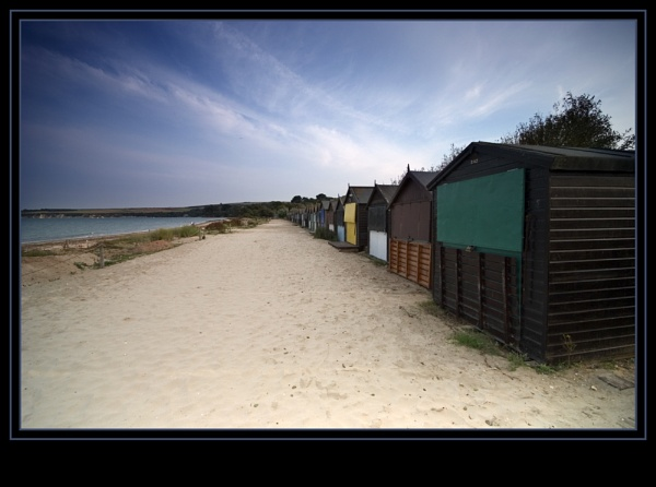 Life\'s a beach (hut!) by redstag