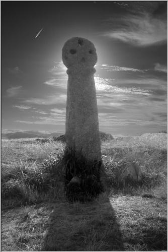 Celtic Cross - B&W by RichardRH