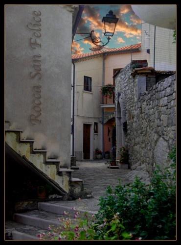 Rocca San Felice by wakima