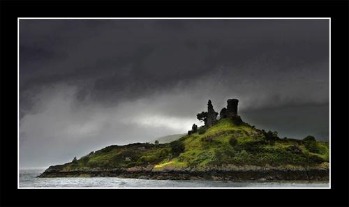 Castle Moil by Miles Herbert