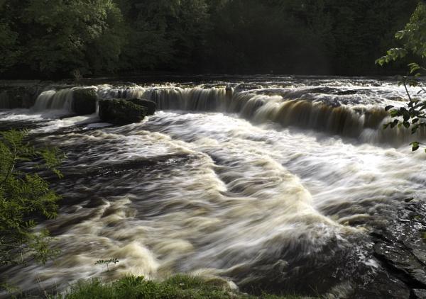 aysgarth falls 3 by Brian2