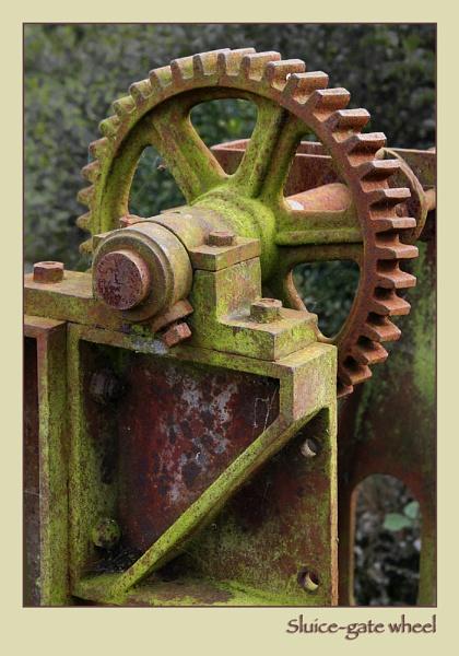 Rusty Gears by ChrisOs