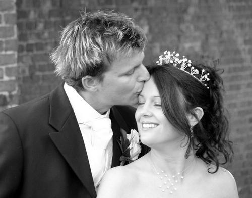 Wedding Kiss. by Fred_Bear