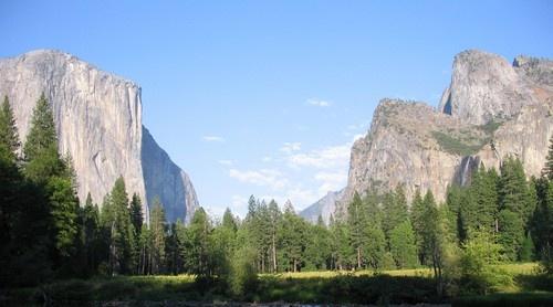 Yosemite Valley by geoffwd