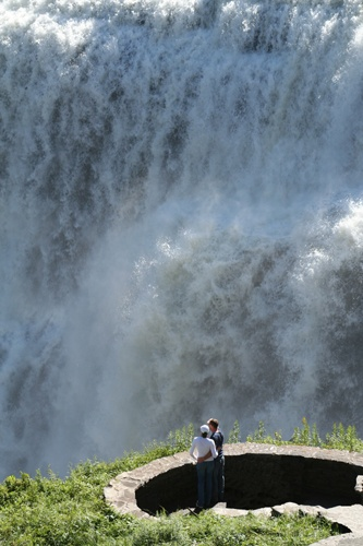 Couple + Waterfall by bengsays