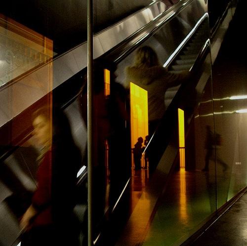 escalator by kinkladze