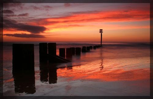 Sunrise reflections by Gaz_H