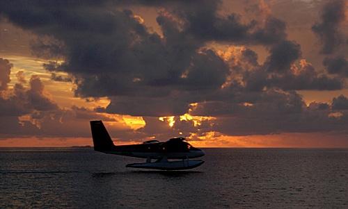 Landing in paradise by Geraint