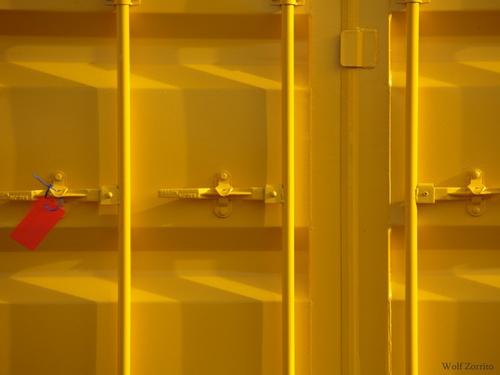 yellow by Zorrito