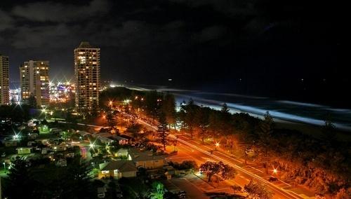Main Beach by delan