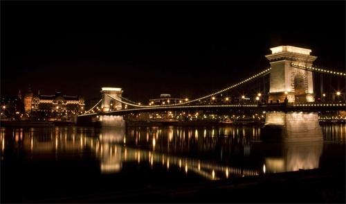 Budapest Bridge by armamatt1