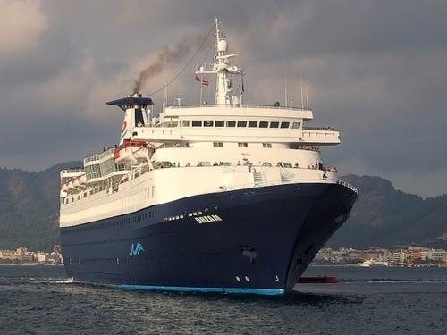 Dream Ship by AlanBW