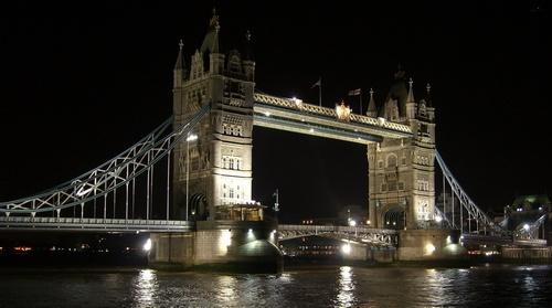 London Bridge by bebrox