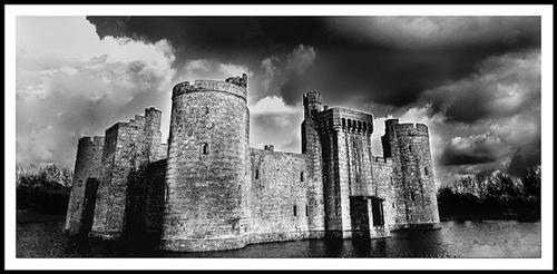 Bodiam Castle by nikguyatt