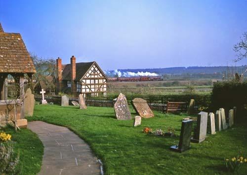 Oddingley churchyard by bobsungod