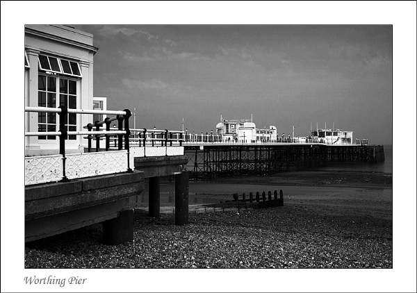 Worthing Pier by Snapper_T