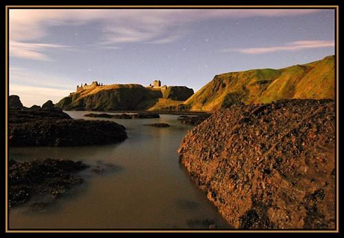 Dunnottar Castle by moonlight by u47sb2