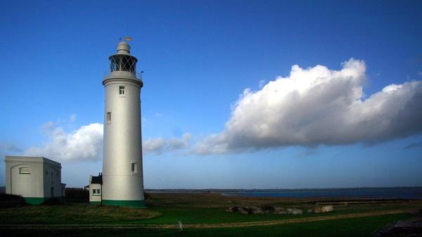 Hurst lighthouse by carriebugg