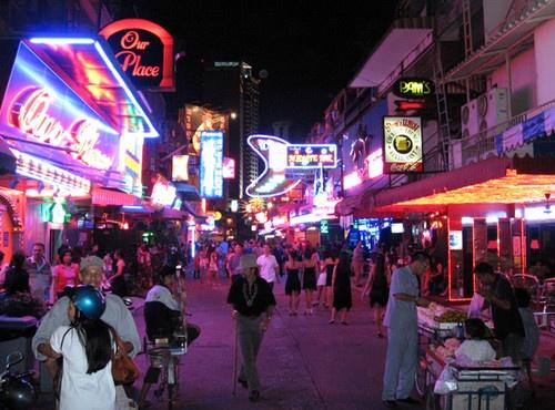 Bangkok Red light by phillj