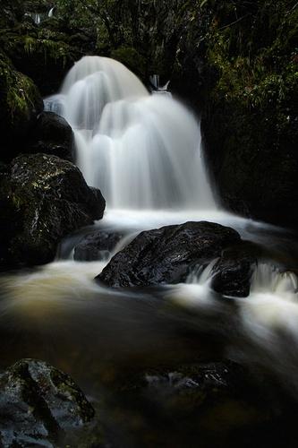 Cascade on Black Rock by walterL