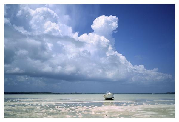 Bahamian Sky. by rontear