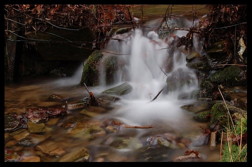Mini waterfall by Paulo_G