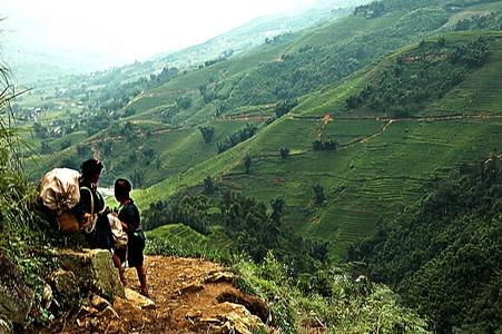 Tribe girls, Sapa - Vietnam by Benji