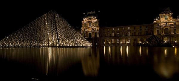 Musée du Louvre by jellylegs