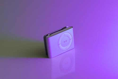iPod Shuffle 2 by DTPnorfolk