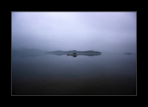 fog on loch by fraserd