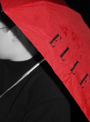 red umbrella by suzmk