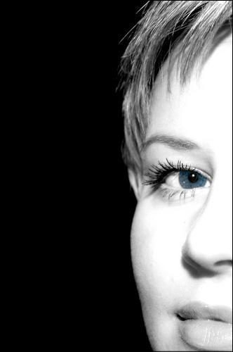 Blue... by wiktorg