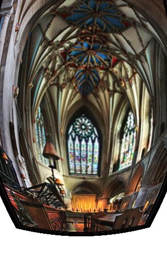 Tewkesbury Abbey by cattyal