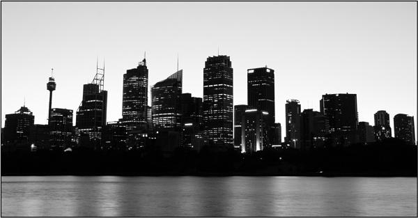 Sydney Silhouette by Anastasia