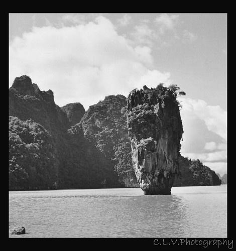 Bond Rock by lotusphotos