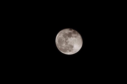 Februarys Moon... by ejtumman