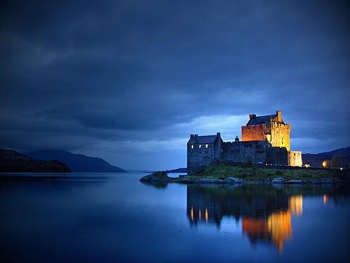 Eilean Donan Castle by pgoodwill