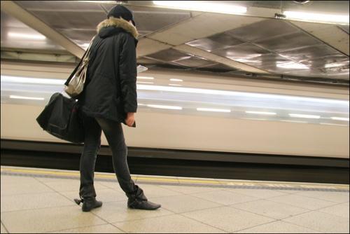 Last Train by davart