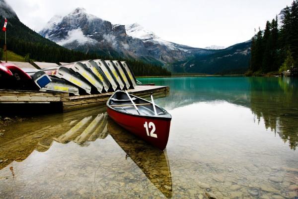 Emerald Lake by sherlob