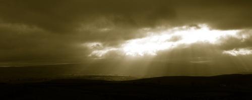 Stormy skies by steveg