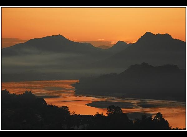 Mekong Sunset by TonyA