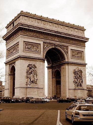 Arc De Triomphe by LauraBeans
