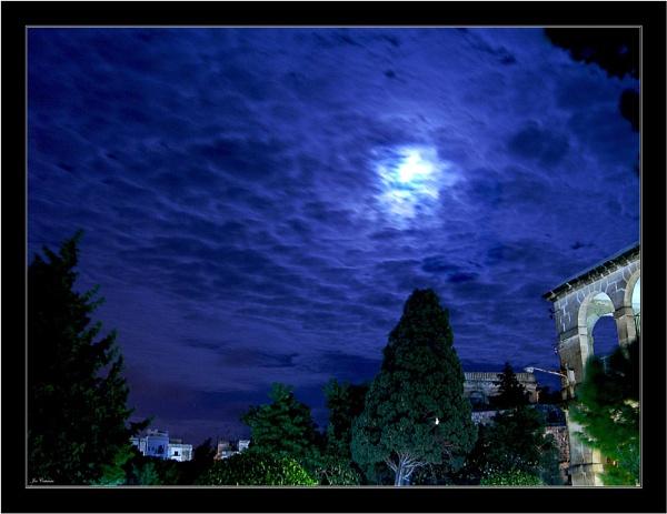 Moonlight Aura by KingArthur
