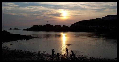 Portpatrick sunset, cropped by Gomez